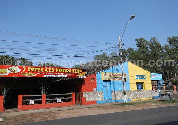 Village coloré du Paraguay avec Paraguay Excepción