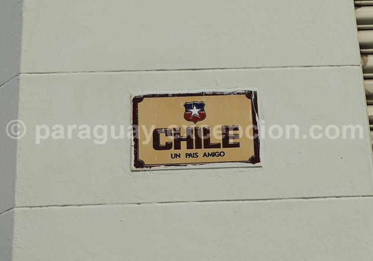 Pancarte Paraguay, Chile un pais amigo avec Paraguay Excepción
