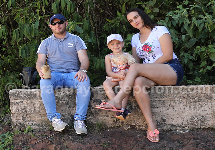 Photo de famille au Paraguay Excepción