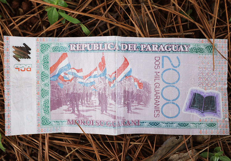 Monnaie paraguayenne, avec Paraguay Excepción