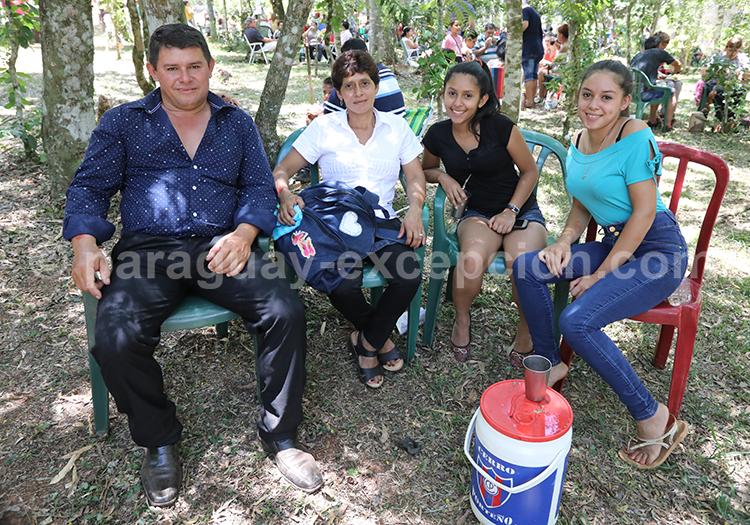 Prendre le terere avec ses amis au Paraguay