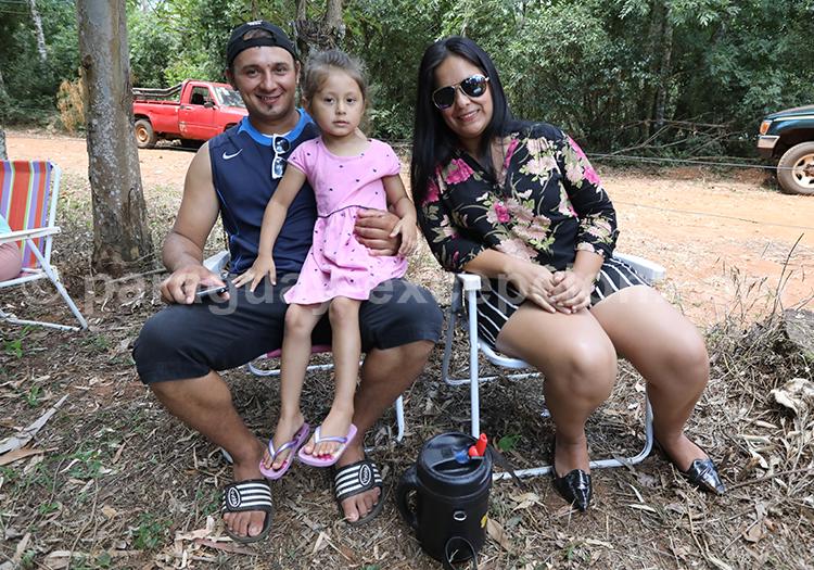Prendre le terere en famille au Paraguay