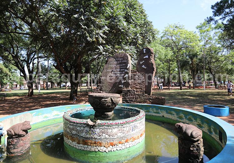 Place centrale de Santa Rosa de Lima, village jésuite au Paraguay