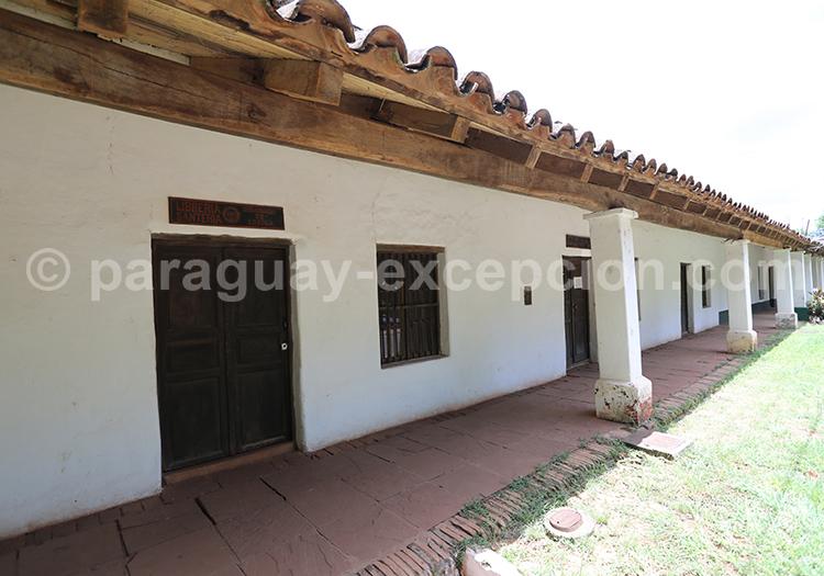 Maison coloniale de la ville de San Ignacio Guazu, Paraguay