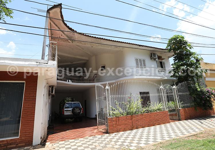 L'architecture de la ville de San Ignacio Guazu au Paraguay, héritage jésuite