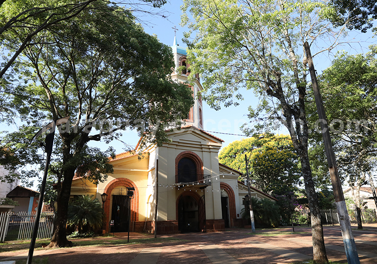 Place principale de la ville de San Juan Bautista, Paraguay