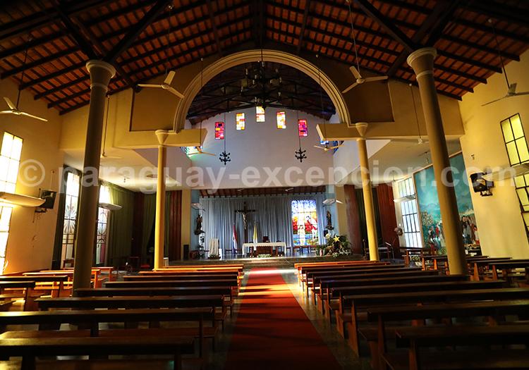L'intérieur de l'église de San Juan Bautista, Paraguay