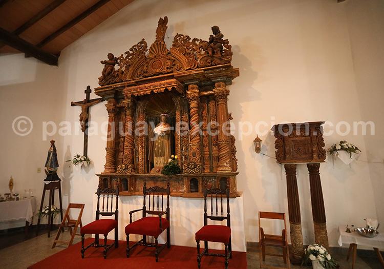 Intérieur de l'église de Santa Rosa de Lima, Paraguay