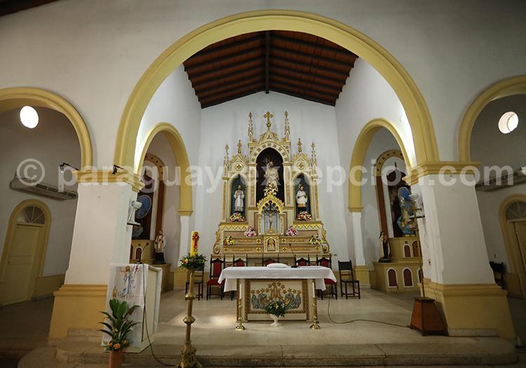 Autel de l'église de San Ignacio Guazu, Paraguay