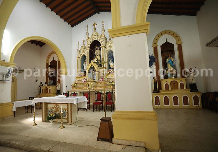 Architecture intérieure de l'église de San ignacio Guazu, Paraguay