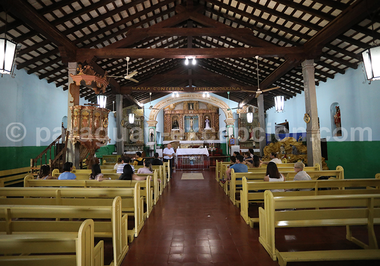 La messe à Piribebuy, Cordillera, Paraguay