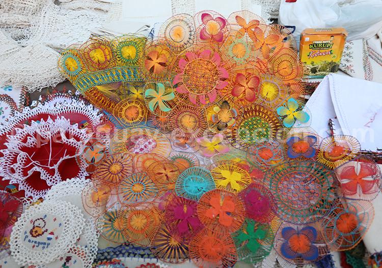 Les couleurs des tissus Ñanduti, Paraguay