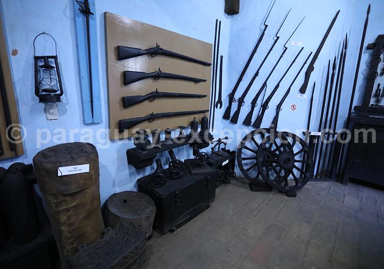 Salle d'armes Musée Ramon Elias Capiatá, Paraguay