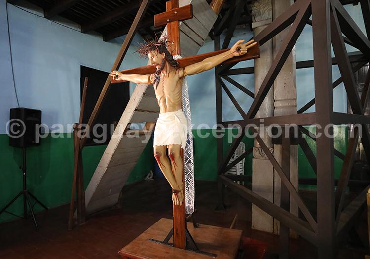 Statue du Christ dans l'église de Piribebuy, Paraguay
