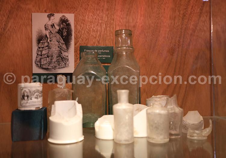 Collection d'objets historiques au Paraguay