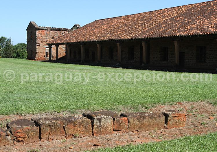 Visite de San Cosme & Damian, Yvy, Paraguay