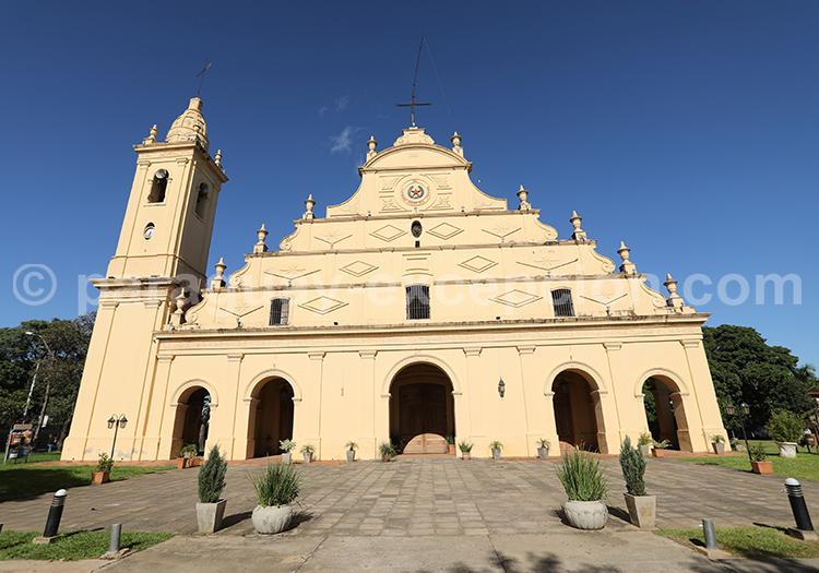 Façade de l'église Santisima Trinidad, Asunción