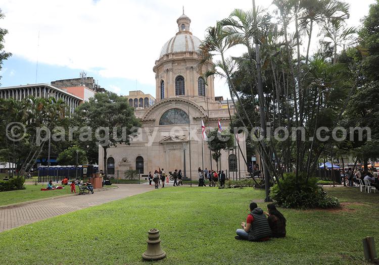 Panthéon, Asunción ouvert de dimanche à lundi