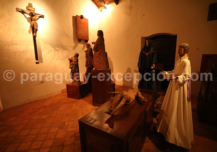 Visite du musée de Santa Maria de Fe, Yvy, Paraguay