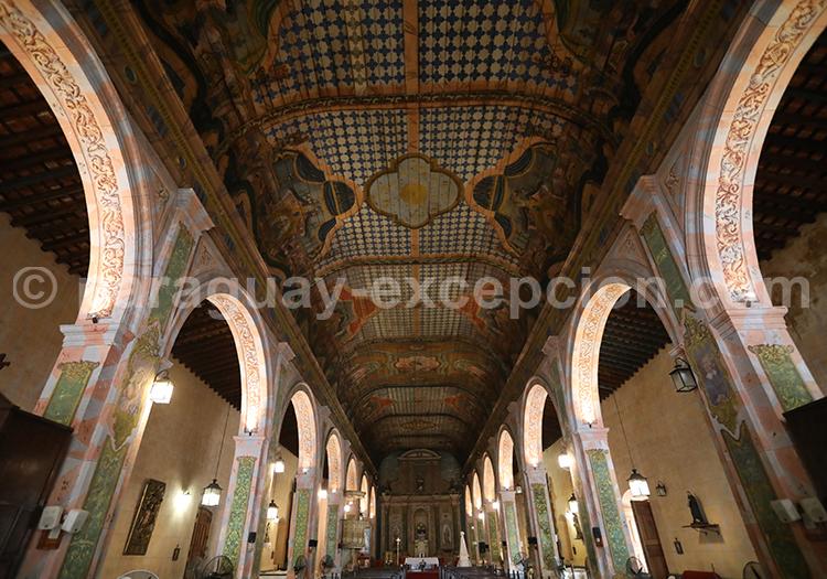 Intérieur de l'église de la Santísima Trinidad