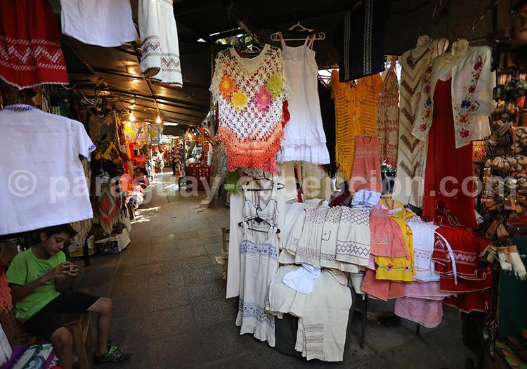 Shopping au marché artisanal d'Asunción