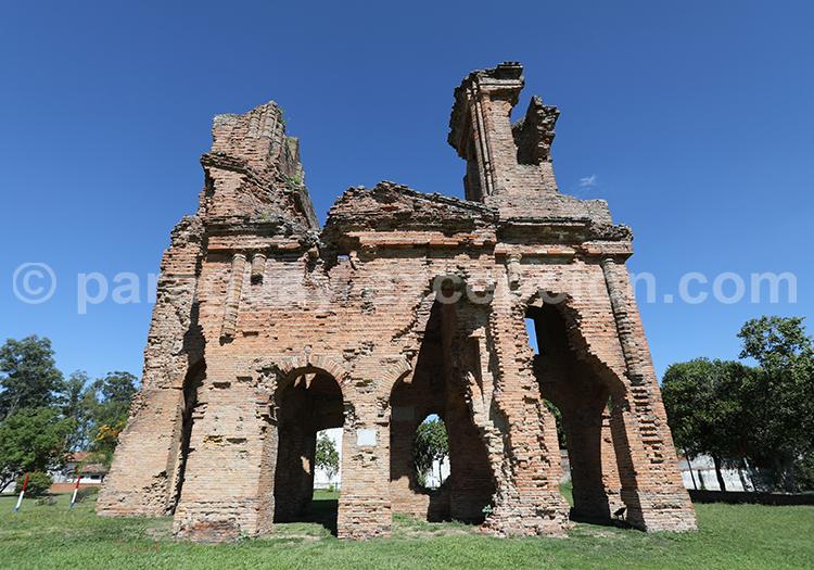 Visiter l'église de San Carlos Borromeo, Paraguay