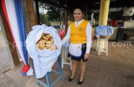 Vendeuse de Chipa au Paraguay