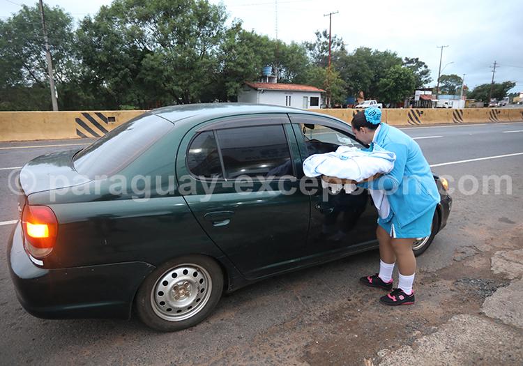 Chipa sur le bord des routes au Paraguay