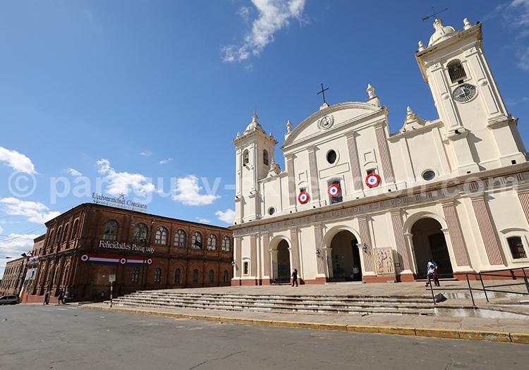 Facade de la cathédrale d'Asunción du Paraguay