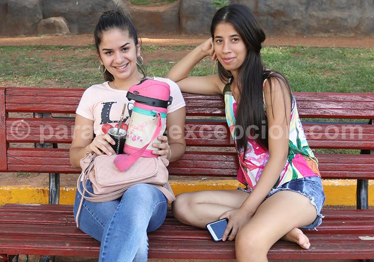 Moment de détente à Encarnación, Paraguay
