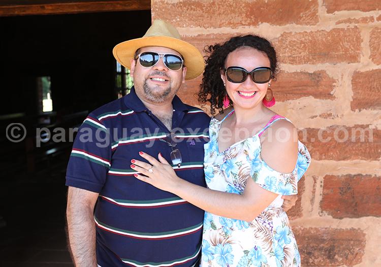 Couple paraguayen, Encarnación