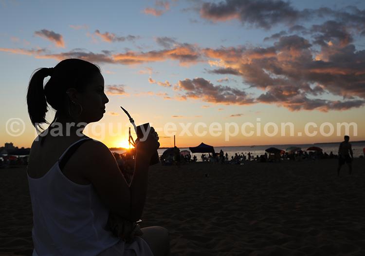 L'heure du maté au Paraguay, Encarnación