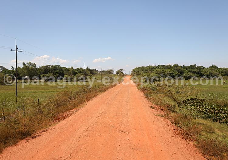 Chemin de terre, Paraguay, Yvy