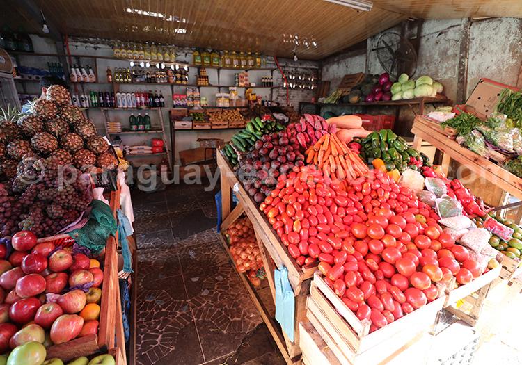 Les étalages du marché Abasto, Ciudad del Este, Paraguay
