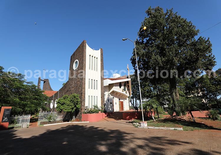 Visiter la cathédrale San Blas à Ciudad del Este, Paraguay