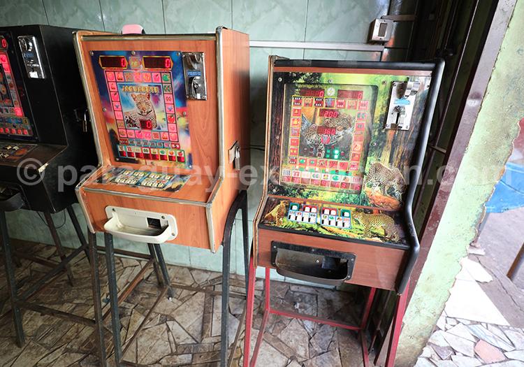 Machines à sous au marché Abasto, Ciudad del Este