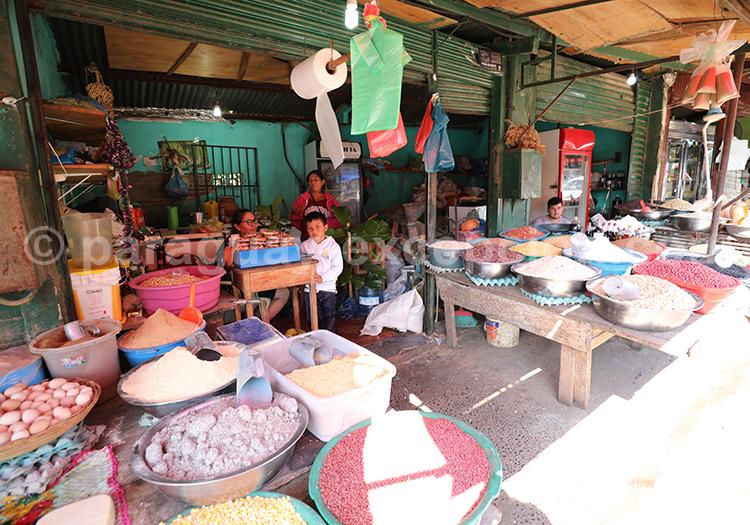 Graines et épices au marché Abasto, Paraguay