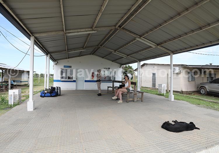 Passage de la douane entre le Paraguay et l'Argentine, Pilar et Colonia Cano