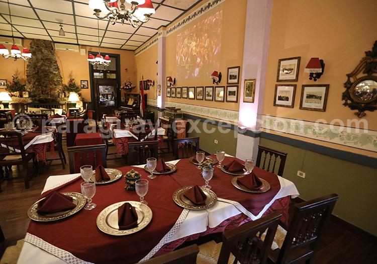 Diner à l'hôtel del Lago, San Bernardino, Paraguay