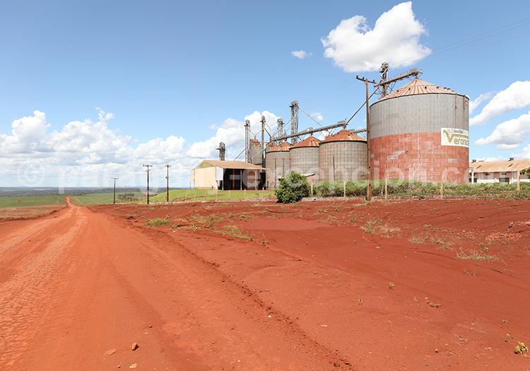 Usine agricole de la région Paraná, Paraguay