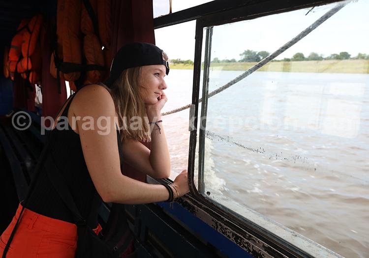 Traversée piétonne de la frontière entre le Paraguay et l'Argentine, de Pilar à Colonia Cano