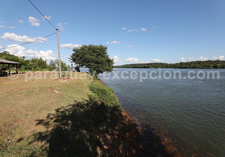 Rio Paraná, frontière entre le Paraguay et l'Argentine, Bella Vista - Corpus